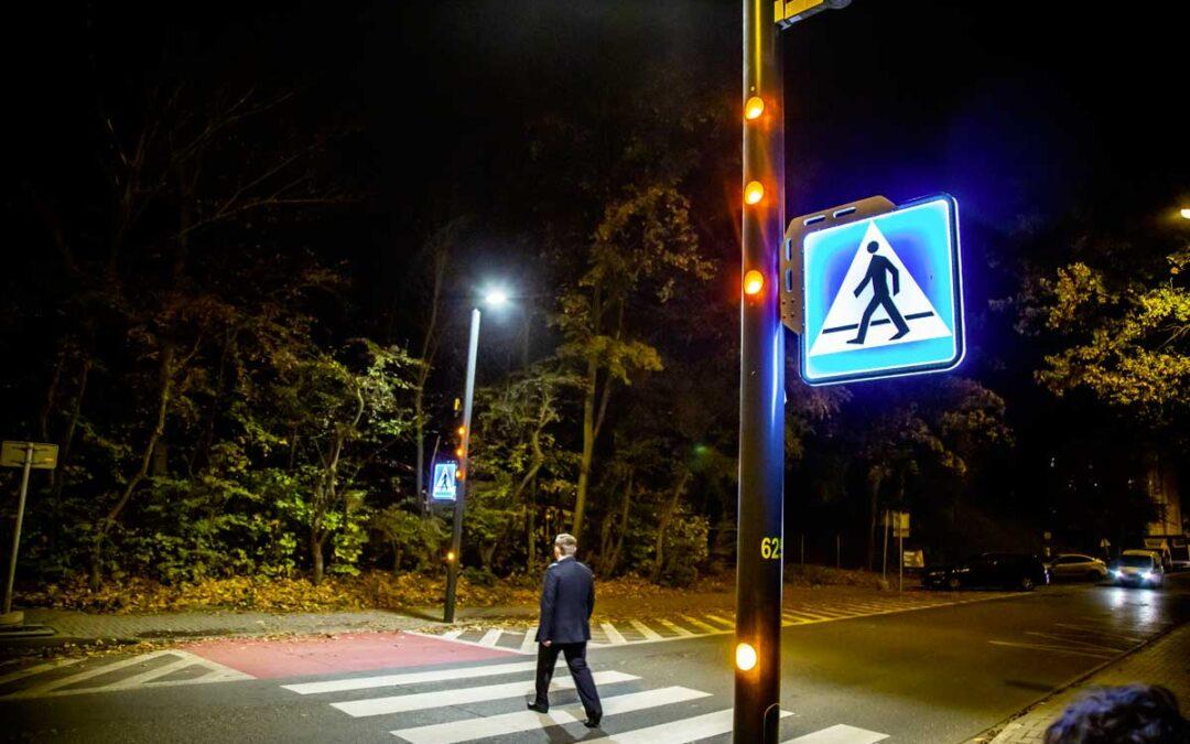Piesi bezpieczniejsi na aktywnych przejściach